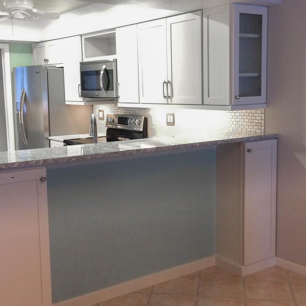 Bright Kitchen: Light & Bright Kitchen
